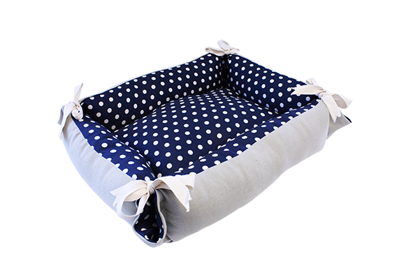 Tabby Chic Polka Dot Cat Bed